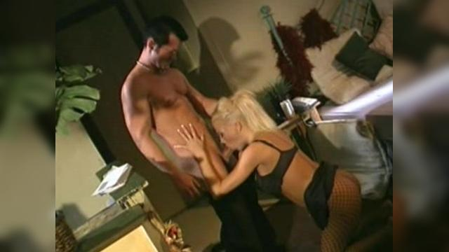 Chloe Jones - Loveless - clip2