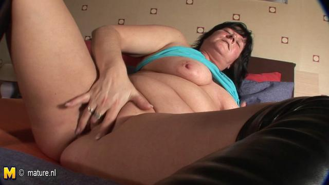girls taking it anal